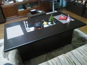ゴム集成材の和風テーブル