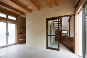収納兼用オープン階段