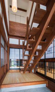 杉集成材の古民家和風階段