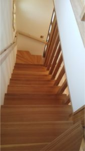 階段・手摺・窓枠