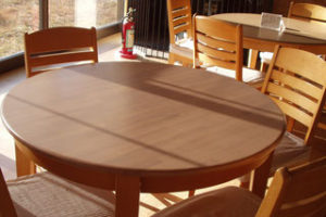ゴム集成材のカフェテーブルの天板