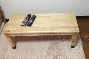 タモ積層材のテーブル