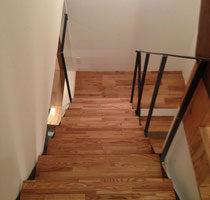 タモ集成材の階段