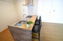 タモ集成材キッチンカウンターの天板と側板