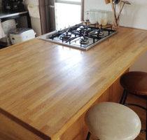 ナラ集成材のキッチン天板
