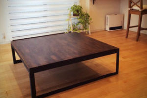 メルクシパイン集成材の自作テーブル