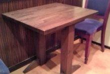 中華居酒屋のテーブル