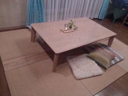 畳の間の板
