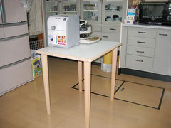 白ポリのキッチン作業テーブル天板