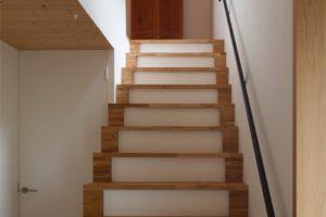 間接照明付き階段