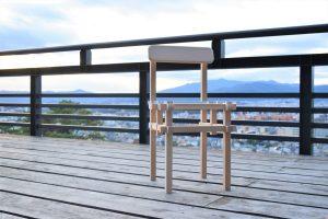米栂無垢材の椅子